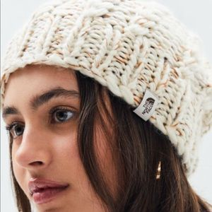 The north face chunky knit 🧶 beanie